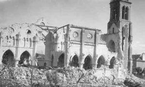 Ruines de la seconde église Notre-Dame, après les bombardements