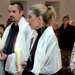 Baptême de deux adultes à la veillée pascale 2017