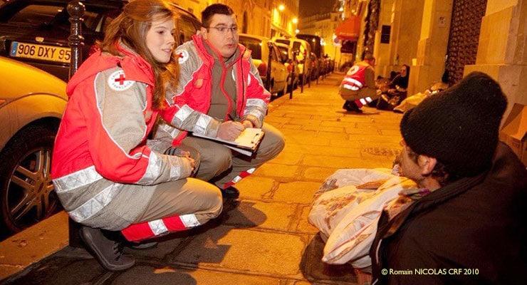Couvertures, duvets et couettes : avec la Croix-Rouge et les maraudes